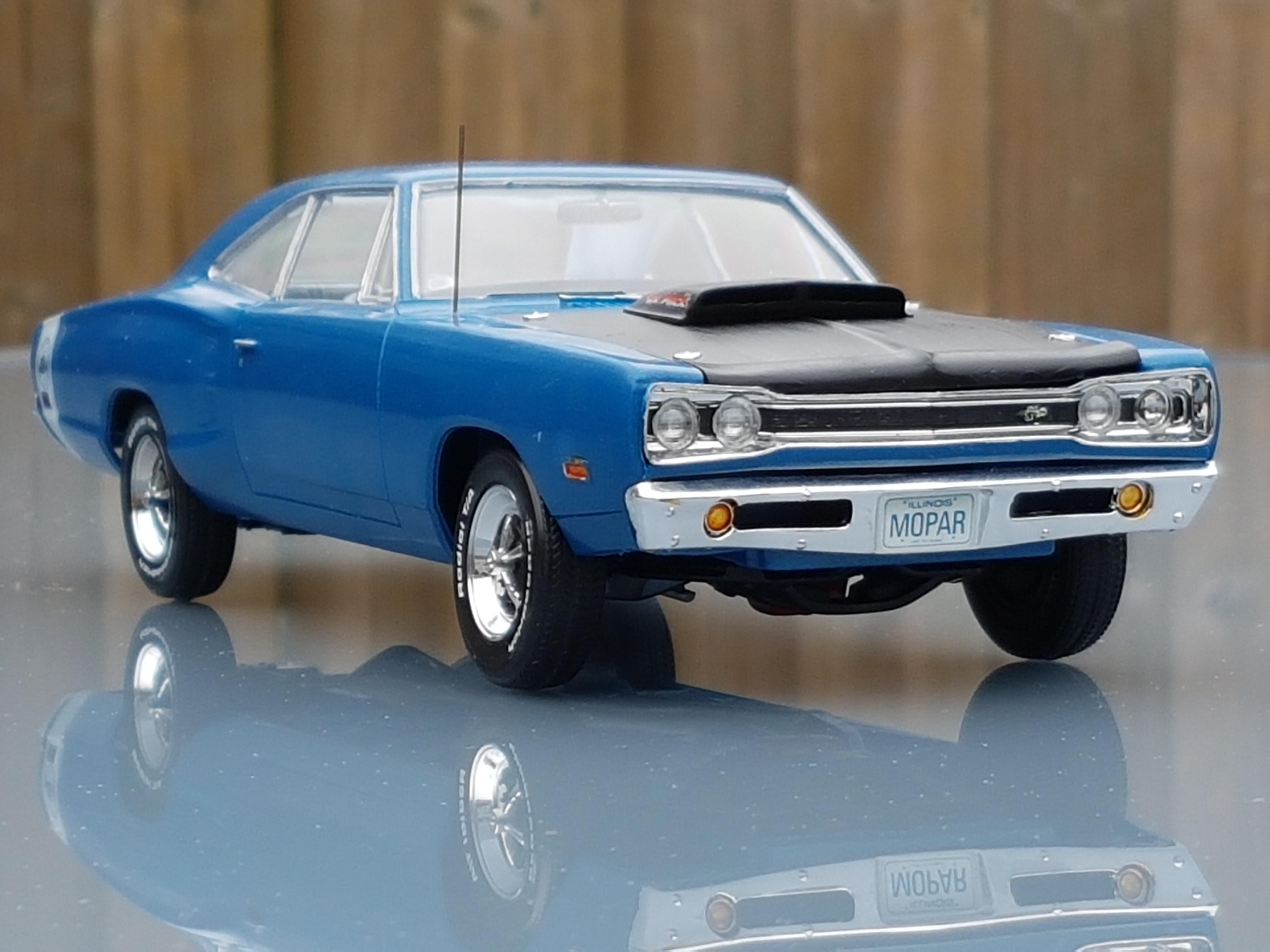 /'69 Dodge Super Bee 440-2 in 1 Plastic  Model Kit 1//24 Monogram 4505