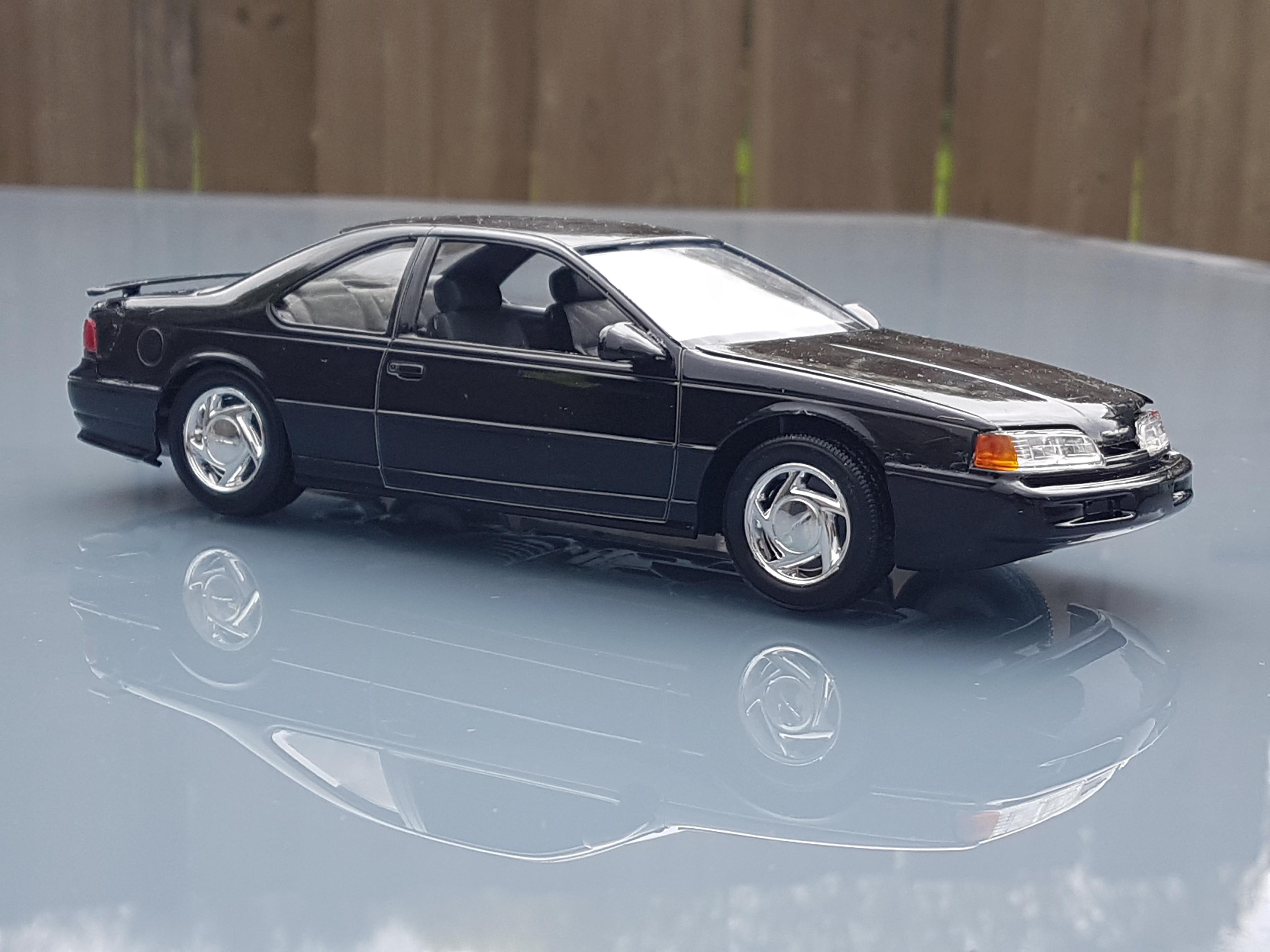1992 Ford Thunderbird Super Coupe – Revell
