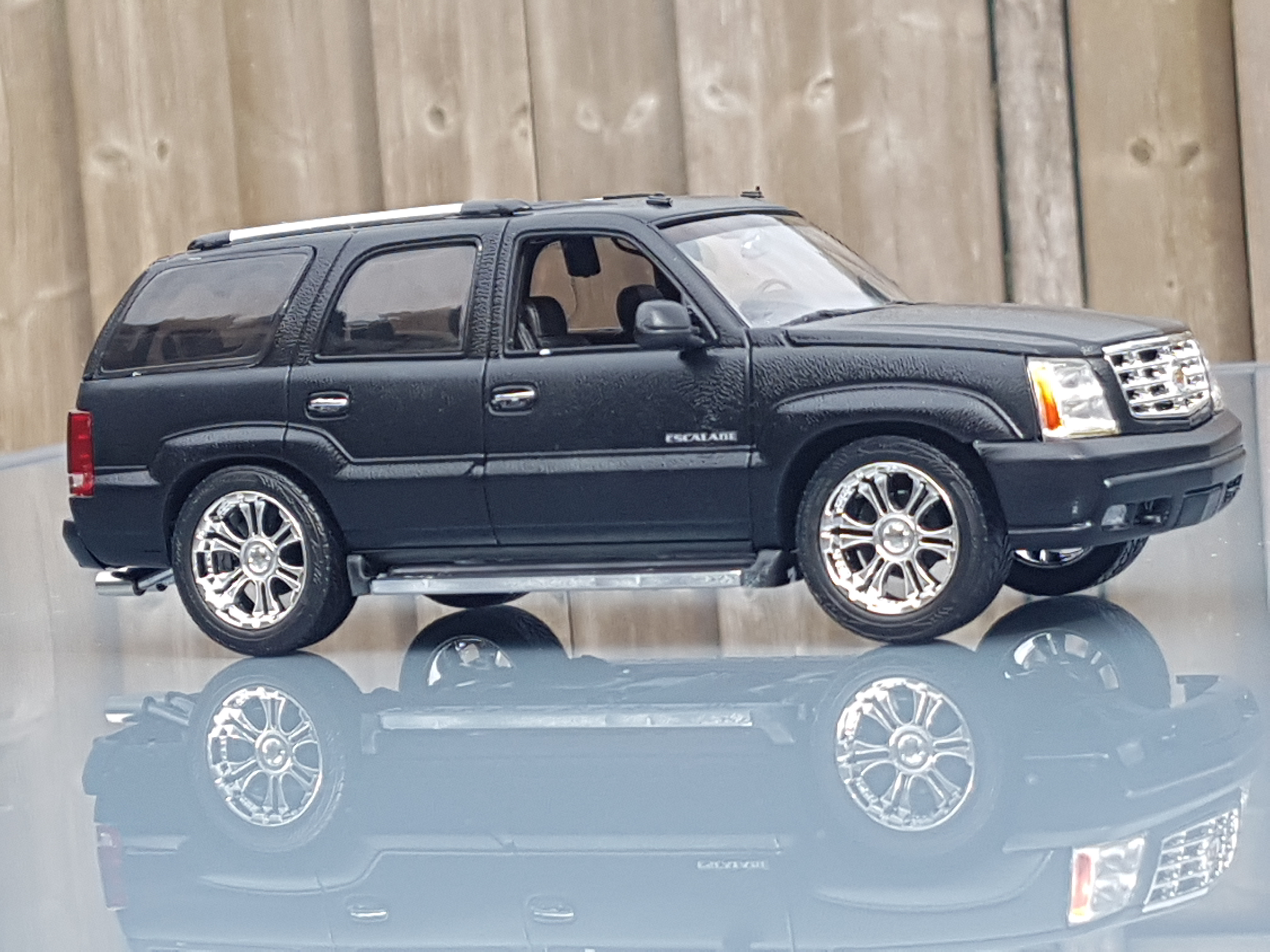 vehicles excellent title escalade condition car for truck family low km cadillac mint sale great esv advert